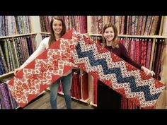 The Coziest Runner! Cozy Quilt Designs Table Runner Tutorial With Donna and Matt :) Quilting For Beginners, Quilting Tips, Quilting Tutorials, Machine Quilting, Quilting Projects, Quilting Designs, Sewing Projects, Art Quilting, Beginner Quilting