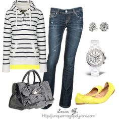 Yellow and navy casual look