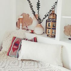 Cant wait untill i move. Im going to do my whole house with this style decor! Interior And Exterior, Interior Design, Bohemian Interior, Inspired Homes, Dream Bedroom, Cozy House, Decoration, My Room, Scandinavian Style