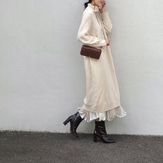 Nagi◡̈*さんはInstagramを利用しています:「. ちらっと 見た ウォレットが ずっと気になっていて 後日 ふらっと入ったお店で置いていた 結果… 買っちゃたよね🙂🙃 そして 今日も 持つ☺️ . . outer. #milaowen onepiece #iena skirt. #hbeautyandyouth…」 Fashion Wear, Modest Fashion, Fashion Beauty, Womens Fashion, Hijab Fashion Inspiration, Style Inspiration, White One Piece, Islamic Fashion, Korea Fashion