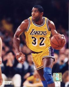 Magic Johnson signed Los Angeles Lakers Photo (yellow jersey vertical close up) Los Angeles Lakers, Sport Basketball, Basketball Legends, Basketball Uniforms, Basketball Court, Basketball History, Basketball Posters, Jordan Basketball, College Basketball