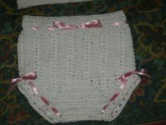 Cubre-pañal tejido a crochet yen hilo de algodon