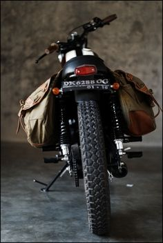 ♂ motorcycle and canvas side pouches