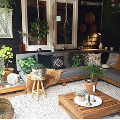 tuinzithoek Backyard Envy Buying A Luxury Watch Seven Things You Should Consider Before Buying A Wat Outdoor Rooms, Outdoor Living, Outdoor Furniture Sets, Backyard Patio Designs, Home Remodeling, Living Room Decor, Home Decor, Easy Garden, Indoor Garden