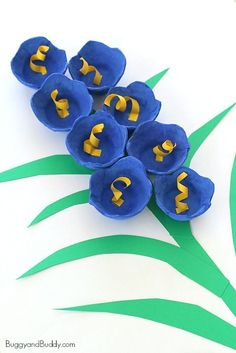 Bluebells Egg Carton Flower Craft for Kids is part of Easter Flower crafts - Save those empty egg cartons and use them to make some bluebells! This egg carton flower craft turns out gorgeous and is perfect for spring, Easter, and Mother's Day! Kids Crafts, Spring Crafts For Kids, Crafts For Kids To Make, Summer Crafts, Toddler Crafts, Easter Crafts, Projects For Kids, Art For Kids, Art Projects
