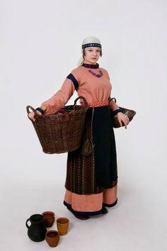 XII- XII century - Rus - linen rubakha with silk hems, woolen panova, woolen apron