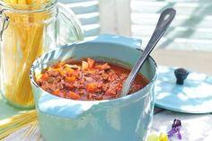 Szukasz doskonałego przepisu na sos bolognese, idealny do makaronów i zapiekanek? Odwiedź Kuchnię Lidla i wypróbuj nasz przepis!