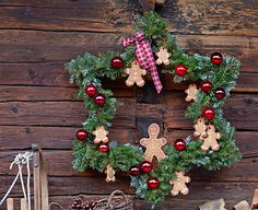 Cute Gingerbread Wreath