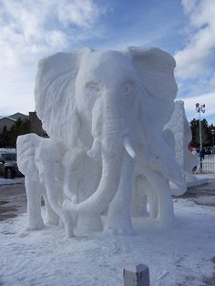 Snow Sculpture of elephants. Winter Wonder, Winter Fun, Snow Sculptures, Sculpture Art, Ice Art, Snow Art, Prophetic Art, Elephant Love, Mama Elephant