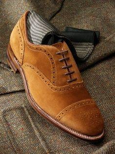Светлокафява велурена обувка