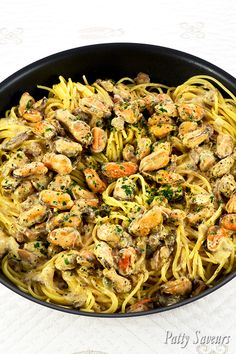 Pasta and Mussels Creamy Wine Sauce - - Pasta and Mussels Creamy Wine Sauce Patty's Savory Recipes Pasta and Mussels Creamy Wine Sauce, garlic mussels pasta recipes, shelled mussels pasta recipes, frozen mussels without shells recipe Fish Recipes, Meat Recipes, Seafood Recipes, Cooking Recipes, Healthy Recipes, Recipes Dinner, Garlic Mussels, Baked Mussels, Mussels Seafood