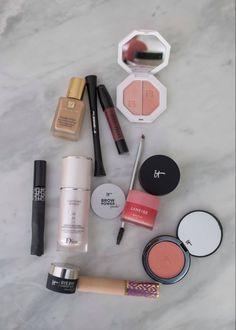 Minimal Makeup, Simple Makeup, Natural Makeup, Natural Beauty, It Cosmetics, Skin Makeup, Beauty Makeup, Drugstore Beauty, Huda Beauty