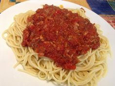 I bought TVP from a bin a bit back but didnt use it. At one evening, I realized I should probably start thinking about dinner. It has been awhile since we had pasta so, pasta it was but we nee… Vegan Spaghetti, Vegan Pasta, Spaghetti Sauce, Tvp Recipes, Sauce Recipes, Vegetarian Recipes, Veggie Patch, Seitan, Diy Food