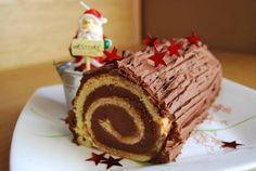 Κορμός με μερέντα - gourmed.gr Sweets Cake, Cupcake Cakes, Cookbook Recipes, Cooking Recipes, Log Cake, Chocolate Caliente, Sweet Recipes, Sweet Tooth, Food Porn