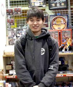 【大阪店】 2012年12月3日  カナイ様です☆  コービーのファンでアイバーソン選手も大好きとお話されておりました!!