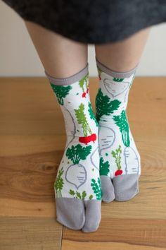 Tabi Socks Radish (Mid Calf) : SOU • SOU US Online Store