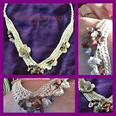 #Collar tejido en #crochet, realizado en hilo de seda natural con enhebrado de piedras semi-preciosas. #ganchillo ♥ #jewelry