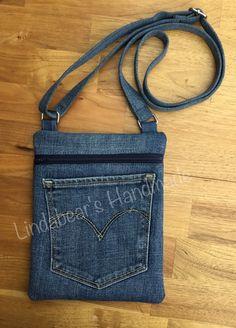 Diy Pouch No Zipper, Denim Art, Diy Bags Purses, Denim Purse, Denim Ideas, Denim Crafts, Recycle Jeans, Old Jeans, Recycled Denim