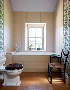 North Farm, Rita Konig's farmhouse in County Durham Modern Decor, Home, Small Bathroom, Home And Garden, House, Bathroom Wallpaper, Colorful Interiors, Farmhouse Renovation, Bathroom
