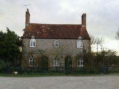 Sweet little cottage!