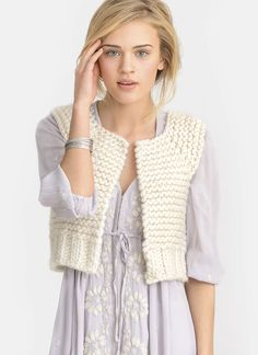 Feeling the need for speed? This is your go-to design. Cool, cropped and quick-to-knit in Bulky, Lanesboro layers on a bit of texture with chunky garter and rib stitches and simple-to-stitch, top-down raglan construction. Perfect for pairing with short sleeves or long. Pattern No. 20155