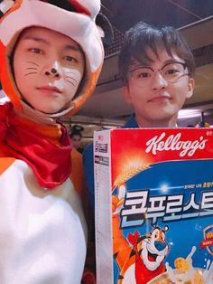 Johny n Mark NCT 127 Halloween party 2018 Taeyong, Mark Lee, Winwin, Halloween 2018, Halloween Party, Jaehyun, Nct 127 Johnny, Jisung Nct, Jung Woo