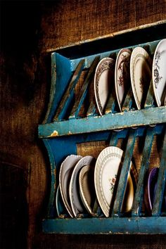Shelter: How Australians Live Kara Rosenlund Farmhouse Interior, Farmhouse Decor, Vw Lt 28, Kara Rosenlund, Best Food Photography, Table Setting Inspiration, Plate Racks, Farms Living, Decoration
