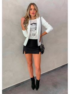 Clothes winter fashion casual ideas for 2019 Sexy Outfits, Trendy Outfits, Cool Outfits, Fashion Outfits, Fashion Clothes, Winter Fashion Casual, Winter Outfits, Winter Style, Blazer Off White