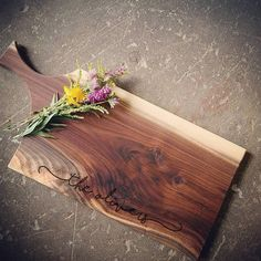 Items similar to Personalized Cheese Board - Walnut Cutting Board with Handle - NØGEN Collection by OSOhome - Ecofriendly Wedding Gift - Charcuterie Board on Etsy Diy Cutting Board, Wood Cutting Boards, Cheese Cutting Board, Personalized Cheese Board, Wooden Chopping Boards, Small Wood Projects, Charcuterie Board, Wood Art, Wood Crafts