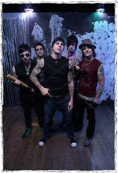 The loves of my life. Zacky Vengeance, Johnny Christ, M Shadows, The Rev, and Synyster Gates <3
