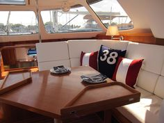 Yacht Buyer's Concierge on Strikingly