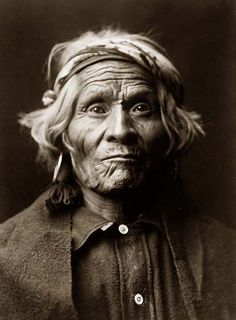 Above we show a vital photo of an Old Indian Man. It was made in 1905 by Edward S. Curtis.    The illustration documents one of the Indians of North America.    We have compiled this collection of artwork mainly to serve as a vital educational resource. Contact curator@old-picture.com.    Image ID# 146C93CC