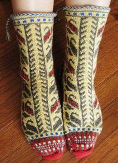 Free Knitting Pattern - Adult Slippers & Socks: Bosnian Socks  scroll down for pattern