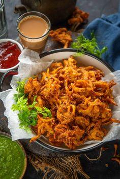 Indian Snacks, Indian Food Recipes, Asian Recipes, Vegetarian Recipes, Ethnic Recipes, Tamarind Chutney, Green Chutney, Coconut Chutney, Pakora Recipes