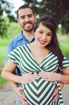 Maternity Photography (note: I am NOT pregnant! Looking up idea for a shoot)