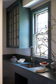 Sponsored: Moody Midnight Pantry with Farrow & Ball Paint Inchyra Blue Inchyra Blue Farrow, Farrow And Ball Inchyra Blue, Farrow Ball, Farrow And Ball Paint, Best Kitchen Design, Turbulence Deco, Kitchen Paint Colors, Ball Lights, Kitchen Interior