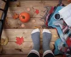 Hygge, the Danish concept of coziness and warmth. When we embrace this lifestyle, we can experience less stress and a better quality of life. Read my beginner's guide to hygge! Fall Essential Oils, Hygge Book, V Instagram, Autumn Activities, Fun Activities, Budget, Belle Photo, Happy Halloween, Fall Halloween
