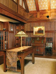 Arts crafts craftsman mission and prairie style for Tiffany d living room