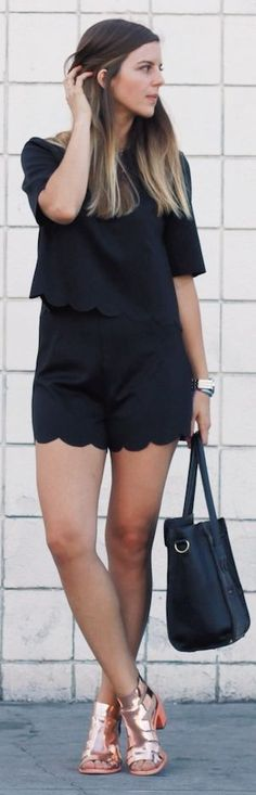 I love the shoes Front Row Shop Black Half Sleeve Blouse Scalloped Hem Shorts Set Casual Chic Style, Casual Street Style, Summer Outfits, Cute Outfits, Look Fashion, Womens Fashion, Current Fashion Trends, Weather Wear, Comfortable Outfits