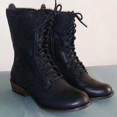 "Synthetic  mid  calf  boots Dirty Laundry  Paxton  synthetic  mid  calf  boots  Measurements :  shafts  measures  7.5 "" , circumference  measures  10 ""  and  1.5 "" heel. Width :  medium Dirty Laundry  Shoes"