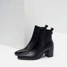 415a6c2668c29 BLOCK HEEL LEATHER ANKLE BOOTS WITH STRETCH DETAIL from Zara Black Block  Heel Boots