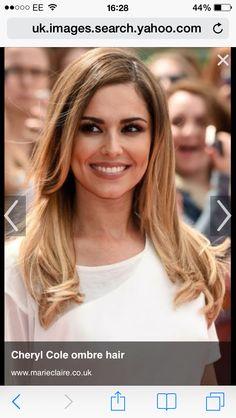 Cheryl Cole is an English singer, dancer, and television personality 🌟🌟🌟🌟🌷 Cheryl Cole Makeup, Cheryl Cole Hair, Cheryl Cole Style, Celebrity Hairstyles, Messy Hairstyles, Ombre Hair, Blonde Hair, Cheryl Ann Tweedy, Cheryl Fernandez Versini