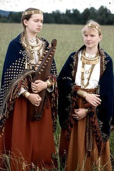 Medieval Visions — Baltic women's costumes.