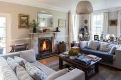 Annabelle Holland Design - Country Sitting Room