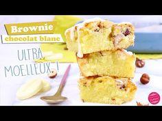 Recette de brownie chocolat blanc inratable et délicieux ! Ultra moelleux, fondant, pas trop sucré, on en redemande ! Cheesecake Caramel, Dessert Light, White Chocolate Recipes, Blondie Brownies, Blondies, Cake Pops, Muffins, Food And Drink, Cupcakes