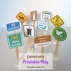 Printable Fairytale Road Signs - literacy with dramatic play and/or blocks Block Center, Block Area, Fairy Tales Unit, Role Play Areas, Fairy Tale Theme, Traditional Tales, Fairytale Party, Block Play, Dramatic Play Centers