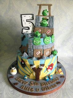 Awesome angry birds cake more pins under www.gimo.de