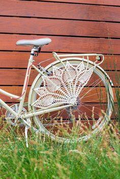 Pimp Your Bike, Crochet Projects, Diy Projects, Diy Trend, Knitting Patterns, Crochet Patterns, Crochet Ideas, Velo Vintage, Vintage Bikes