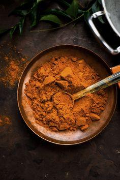 Homemade SAMBAR MASALA POWDER Recipe - Tired of using store bought sambar masala powder? Here's the recipe for the best sambar masala. Best Vegan Recipes, Vegetarian Recipes Easy, Indian Food Recipes, Cooking Recipes, Healthy Recipes, Vegetarian Cooking, Cooking Tips, Ethnic Recipes, Chutneys