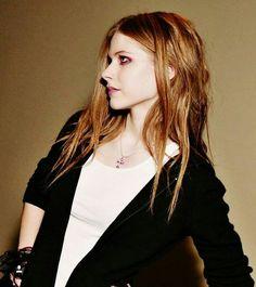 Avril Lavigne old photo photoshoot